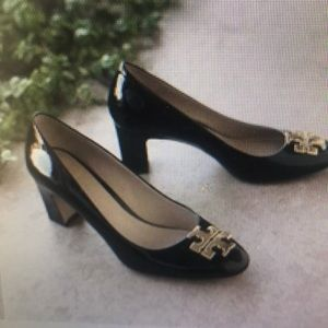 Tory Burch Raleigh Black Patent Pump Size 6
